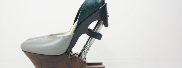 zapatos-kinetic-traces-www-sil_54414346862_51351706917_600_226