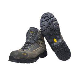 Reparar unas botas Asolo con un piso Vibram.
